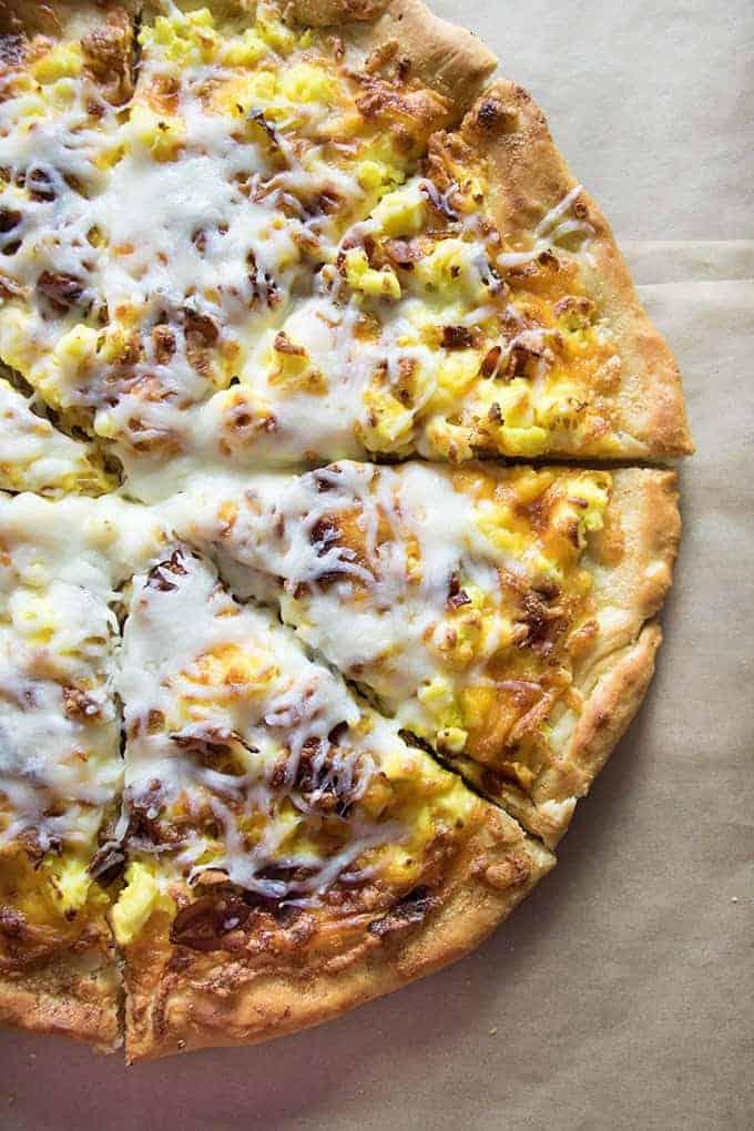 easy homemade breakfast pizza