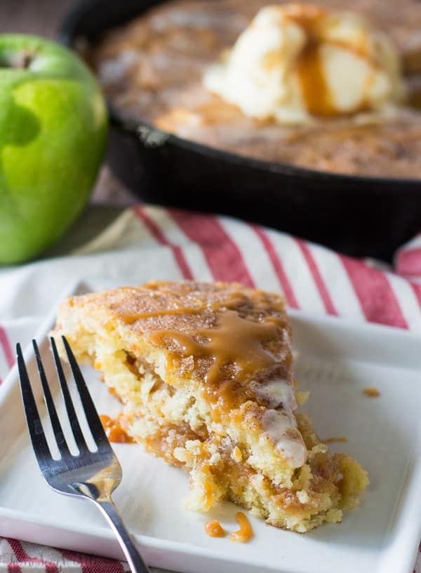 caramel-apple-stuffed-snickerdoodle-skillet-cookie