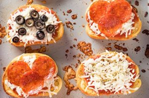 garlic bread pizza toast