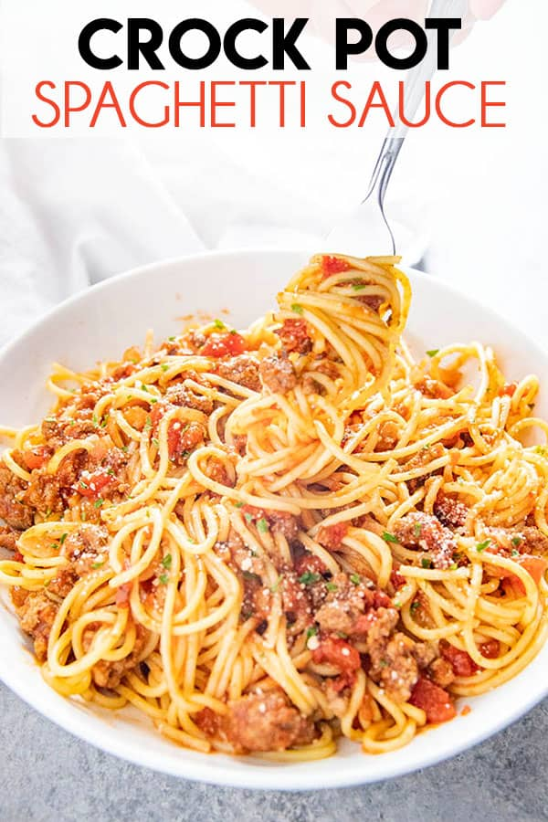 Crockpot Spaghetti Sauce is so easy to make for a great, homemade, Italian sauce! Ground beef is simmered all day with spices for tons of mouthwatering flavor! #spaghetti #spaghettisauce #crockpot #crockpotrecipes