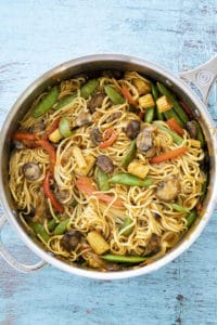 lo mein in a pan