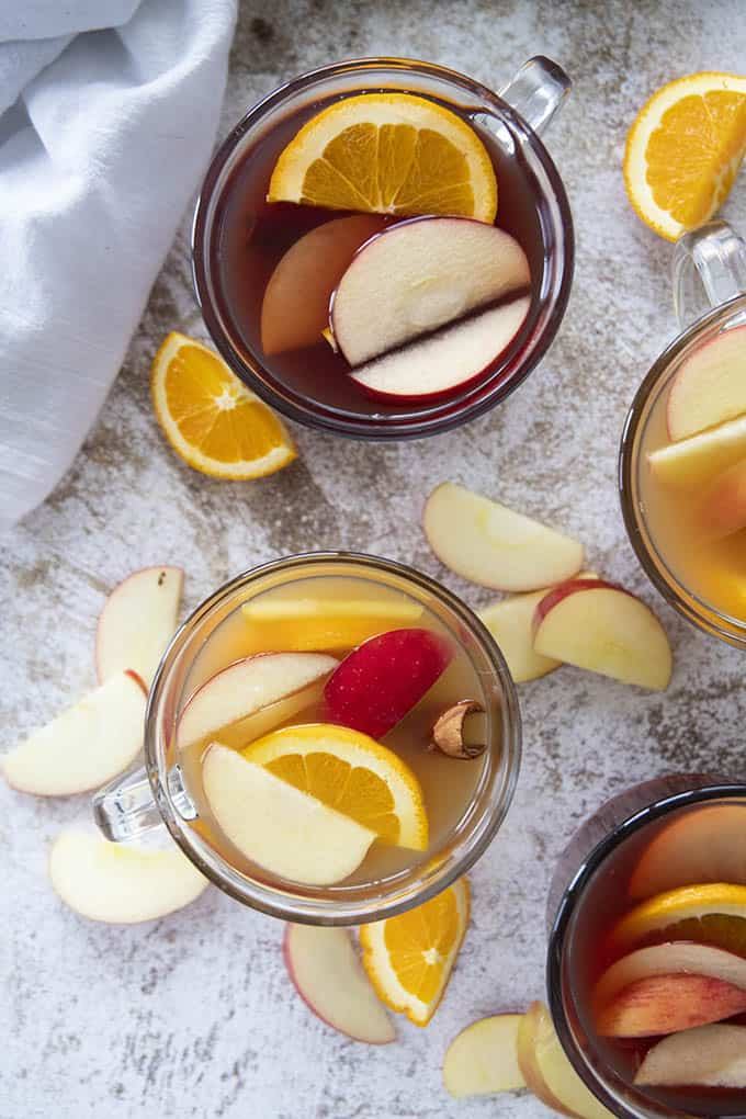 red and white apple cider cocktails