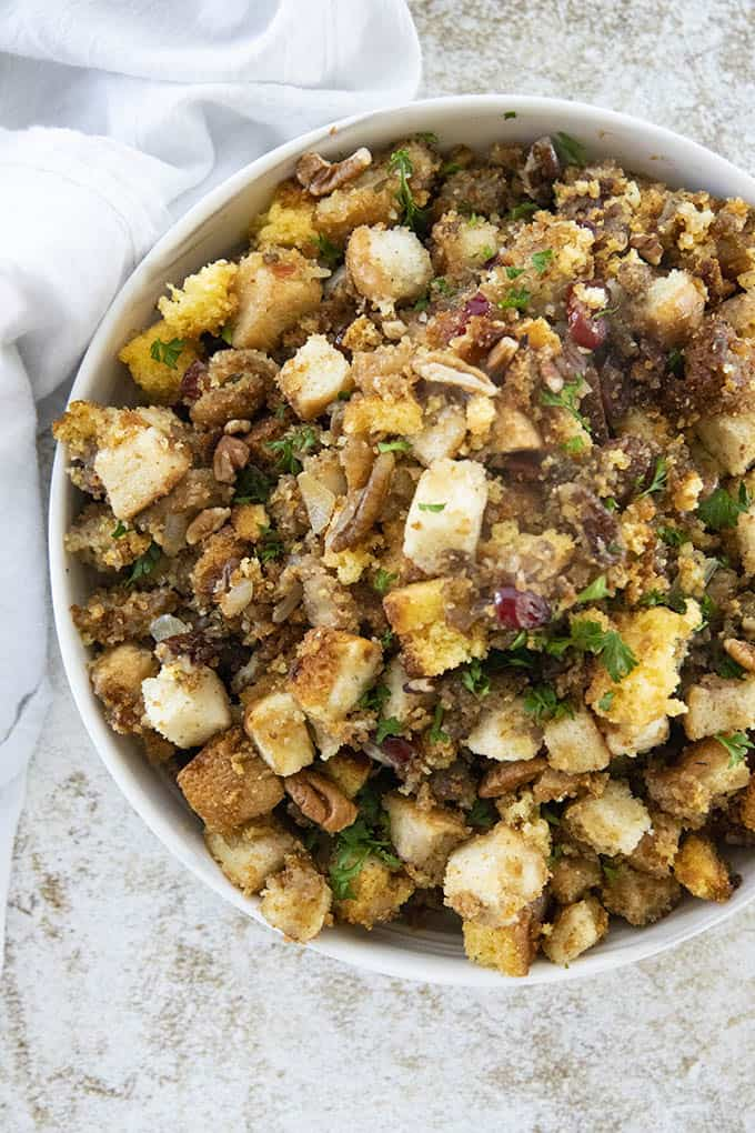 bowl of cornbread stuffing