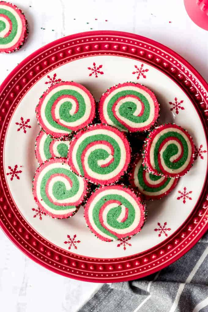 An image of a plate of swirled pinwheel cookies.