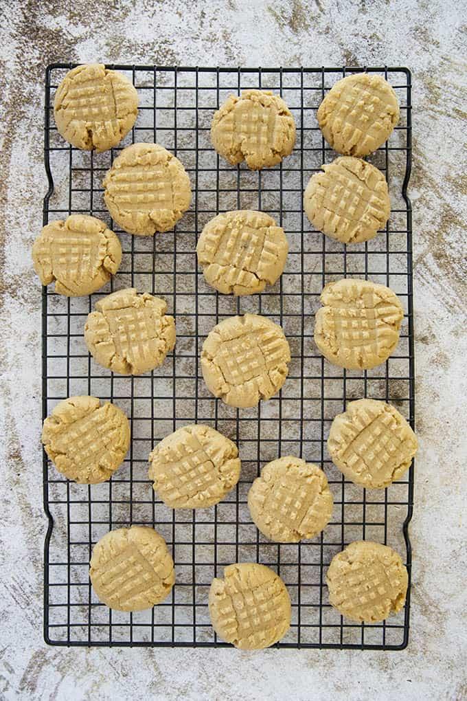 peanut butter cookies on rack