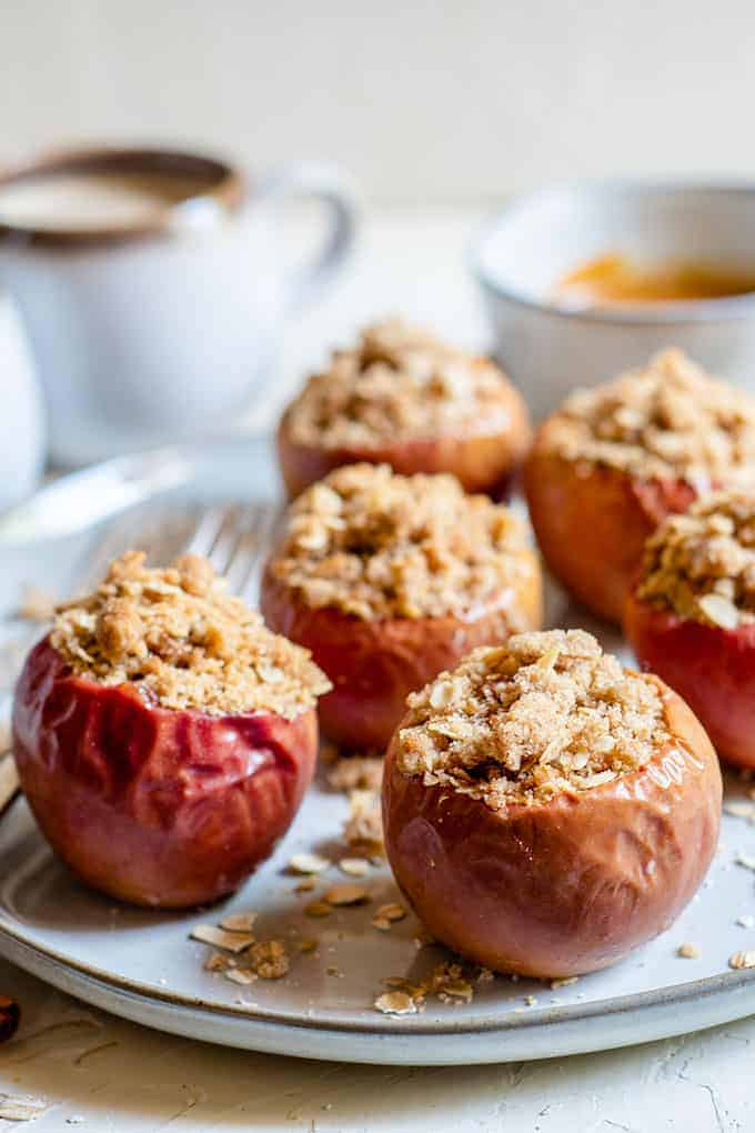 Oatmeal Crumble Baked Apples The Salty Marshmallow