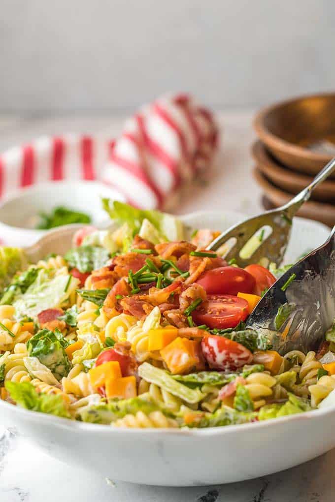 blt pasta salad in bowl